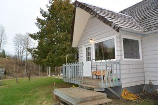 Photo 2: 200 LAIDLAW Road in Smithers: Smithers - Rural House for sale (Smithers And Area (Zone 54))  : MLS®# R2453029