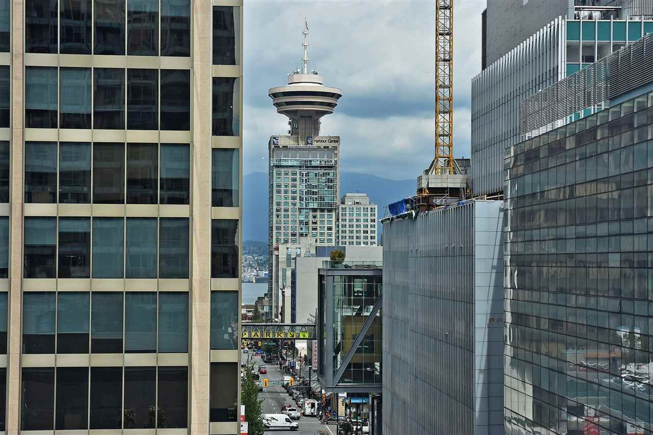 """Main Photo: 1003 833 SEYMOUR Street in Vancouver: Downtown VW Condo for sale in """"CAPITOL RESIDENCES"""" (Vancouver West)  : MLS®# R2098588"""