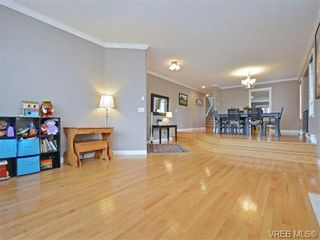 Photo 3: 4155 Roy Pl in VICTORIA: SW Northridge House for sale (Saanich West)  : MLS®# 745866