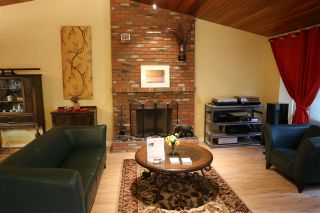 "Photo 4: 6565 WADE Road in Delta: Sunshine Hills Woods House for sale in ""Sunshine Hills Woods"" (N. Delta)  : MLS®# R2081121"