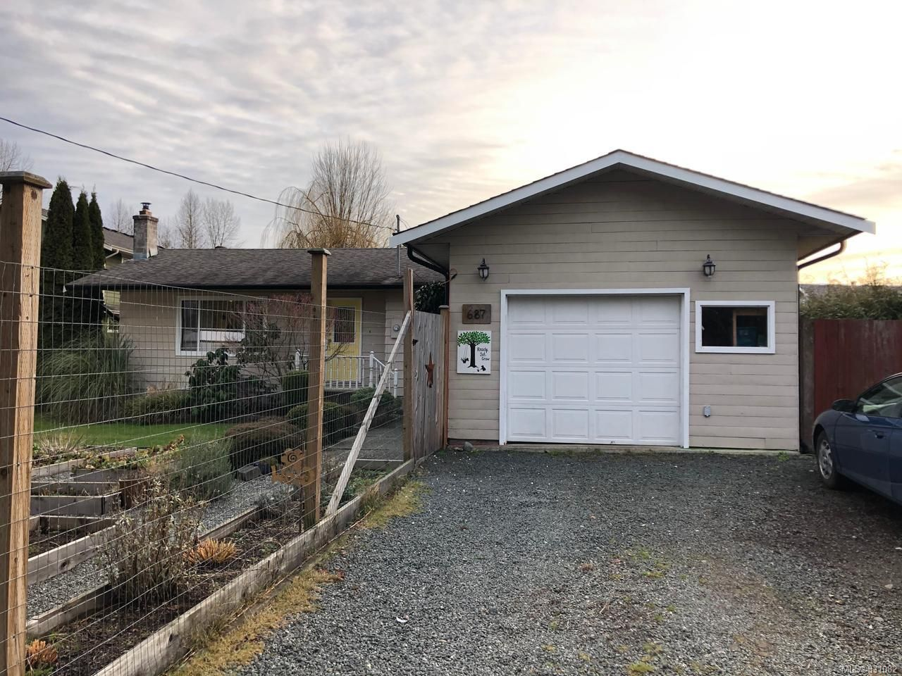 Main Photo: 687 Holm Rd in CAMPBELL RIVER: CR Willow Point House for sale (Campbell River)  : MLS®# 831082