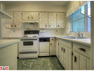 "Photo 2: 24 5850 177B Street in Surrey: Cloverdale BC Townhouse for sale in ""Dogwood Gardens"" (Cloverdale)  : MLS®# F1222363"