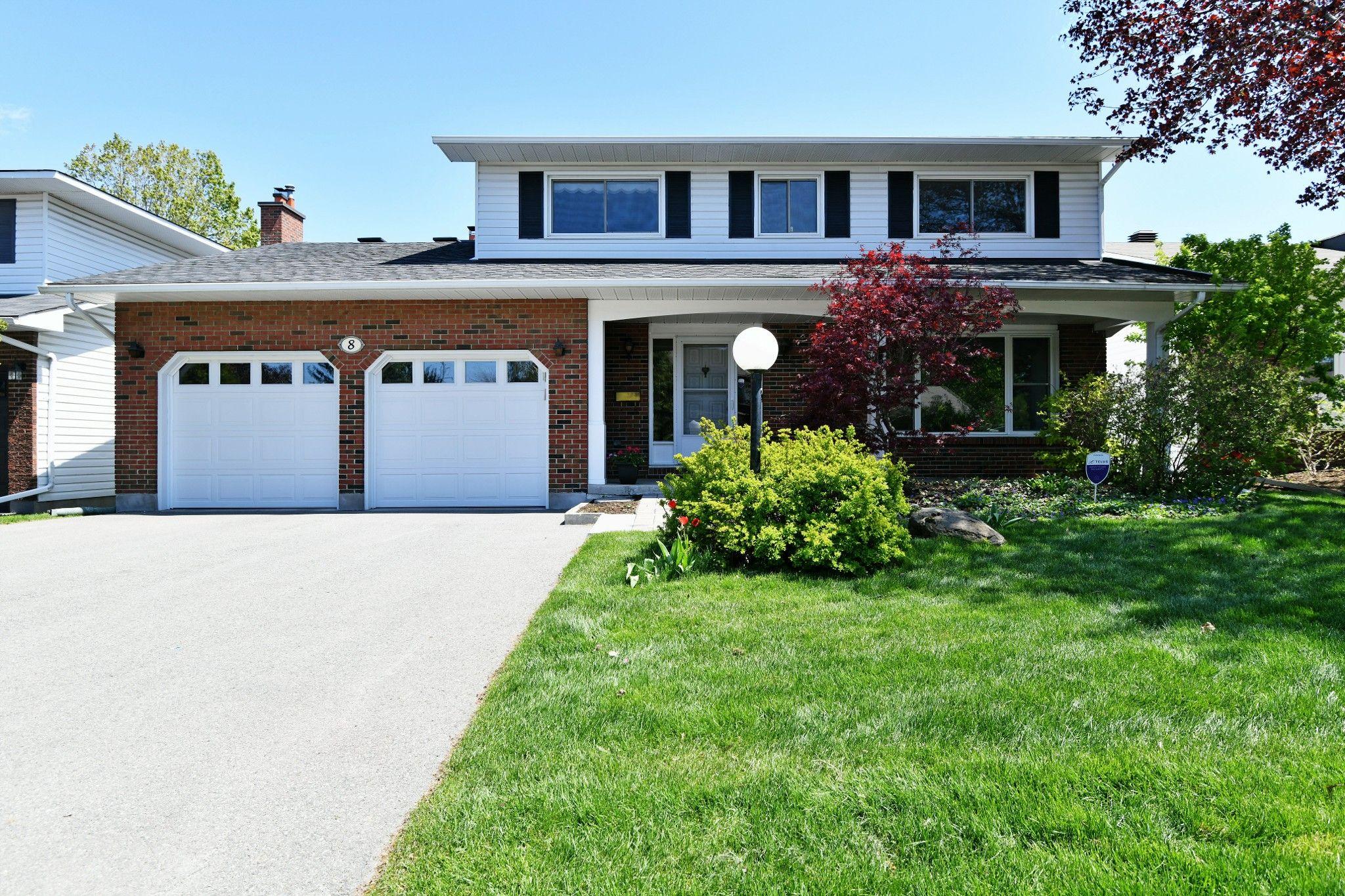 Main Photo: 8 Falk Avenue in Ottawa: Barrhaven House for sale