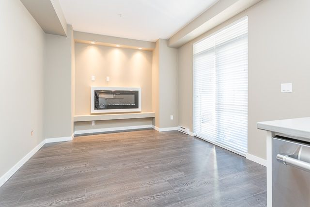 Photo 5: Photos: 116-2242 Whatcom Rd in Abbotsford: Abbotsford East Condo for rent