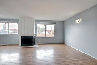 Photo 3: 2 519 64 Avenue NE in Calgary: Thorncliffe Row/Townhouse for sale : MLS®# A1140749