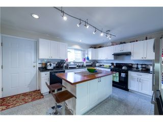 Photo 3: 272 61ST Ave E in Vancouver East: South Vancouver Home for sale ()  : MLS®# V1119950