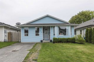 Photo 1: 45442 MEADOWBROOK Drive in Chilliwack: Chilliwack W Young-Well House for sale : MLS®# R2573841