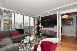 "Photo 5: 1307 950 CAMBIE Street in Vancouver: Yaletown Condo for sale in ""PACIFIC PLACE LANDMARK 1"" (Vancouver West)  : MLS®# R2028086"
