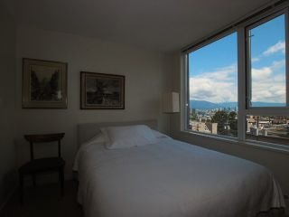 "Photo 6: 404 2483 SPRUCE Street in Vancouver: Fairview VW Condo for sale in ""SKYLINE"" (Vancouver West)  : MLS®# V953379"