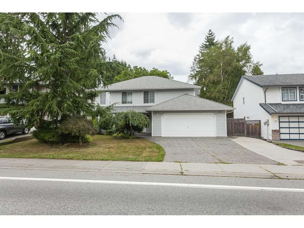 Main Photo: 15983 80 Avenue in Surrey: Fleetwood Tynehead House for sale : MLS®# R2405997
