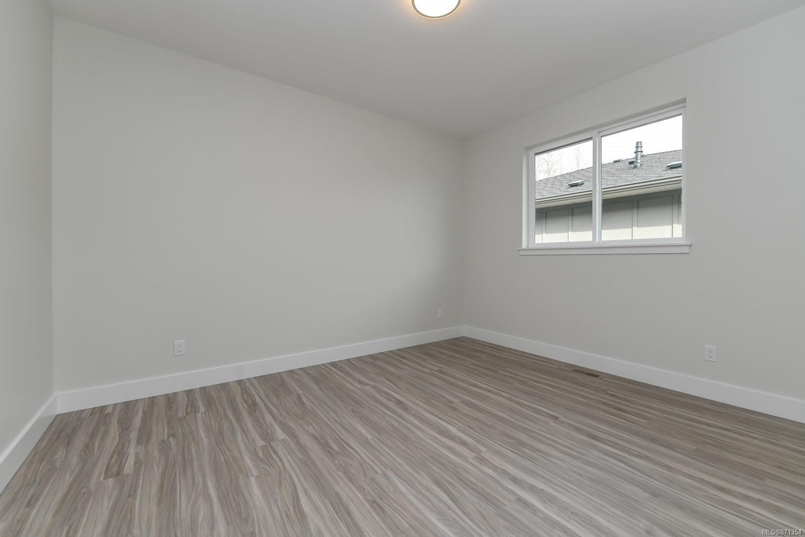 Photo 17: Photos: 68 Grayhawk Pl in : CV Courtenay City House for sale (Comox Valley)  : MLS®# 871354