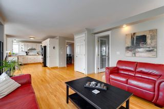 Photo 7: 627 Sierra Morena Place SW in Calgary: Signal Hill Detached for sale : MLS®# A1042537
