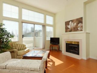 Photo 3: 2 3586 SE MARINE DRIVE in Vancouver East: Champlain Heights Condo for sale ()  : MLS®# R2049515