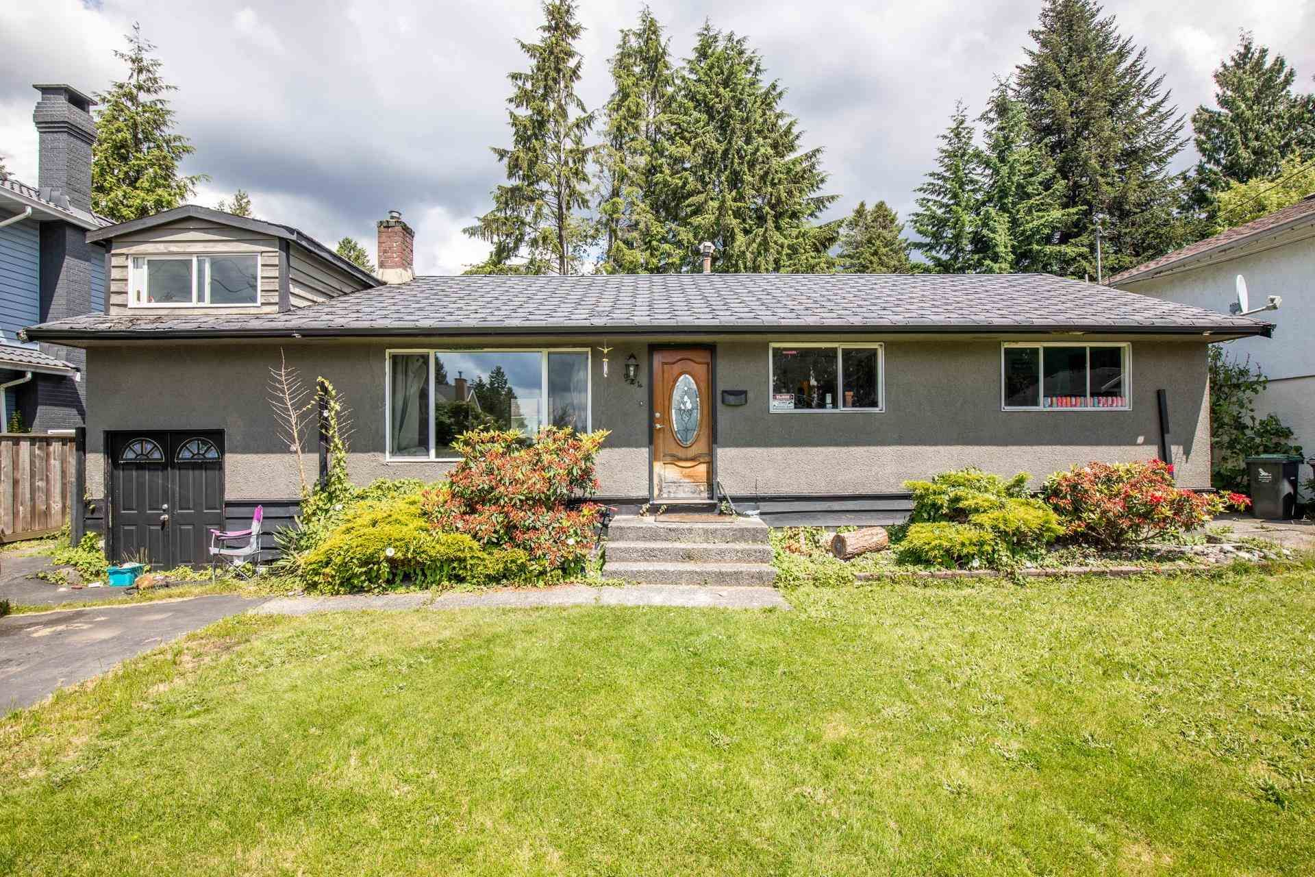Main Photo: 924 VINEY Road in North Vancouver: Lynn Valley House for sale : MLS®# R2594861