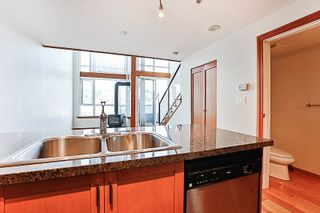 """Photo 6: 324 10 RENAISSANCE Square in New Westminster: Quay Condo for sale in """"MURANO LOFTS"""" : MLS®# R2186275"""