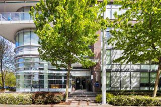 """Photo 21: 403 181 W 1ST Avenue in Vancouver: False Creek Condo for sale in """"BROOK AT THE VILLAGE AT FALSE CREEK"""" (Vancouver West)  : MLS®# R2576731"""