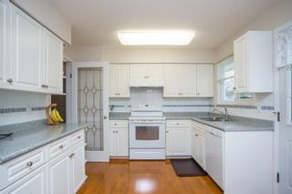 Photo 11: 2377 LATIMER Avenue in Coquitlam: Central Coquitlam House for sale : MLS®# R2573404