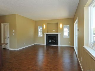Photo 2: 3343 Merlin Rd in Langford: La Luxton House for sale : MLS®# 655013