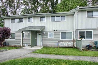 """Photo 1: 86 45185 WOLFE Road in Chilliwack: Chilliwack W Young-Well Townhouse for sale in """"TOWNSEND GREENS"""" : MLS®# R2585546"""