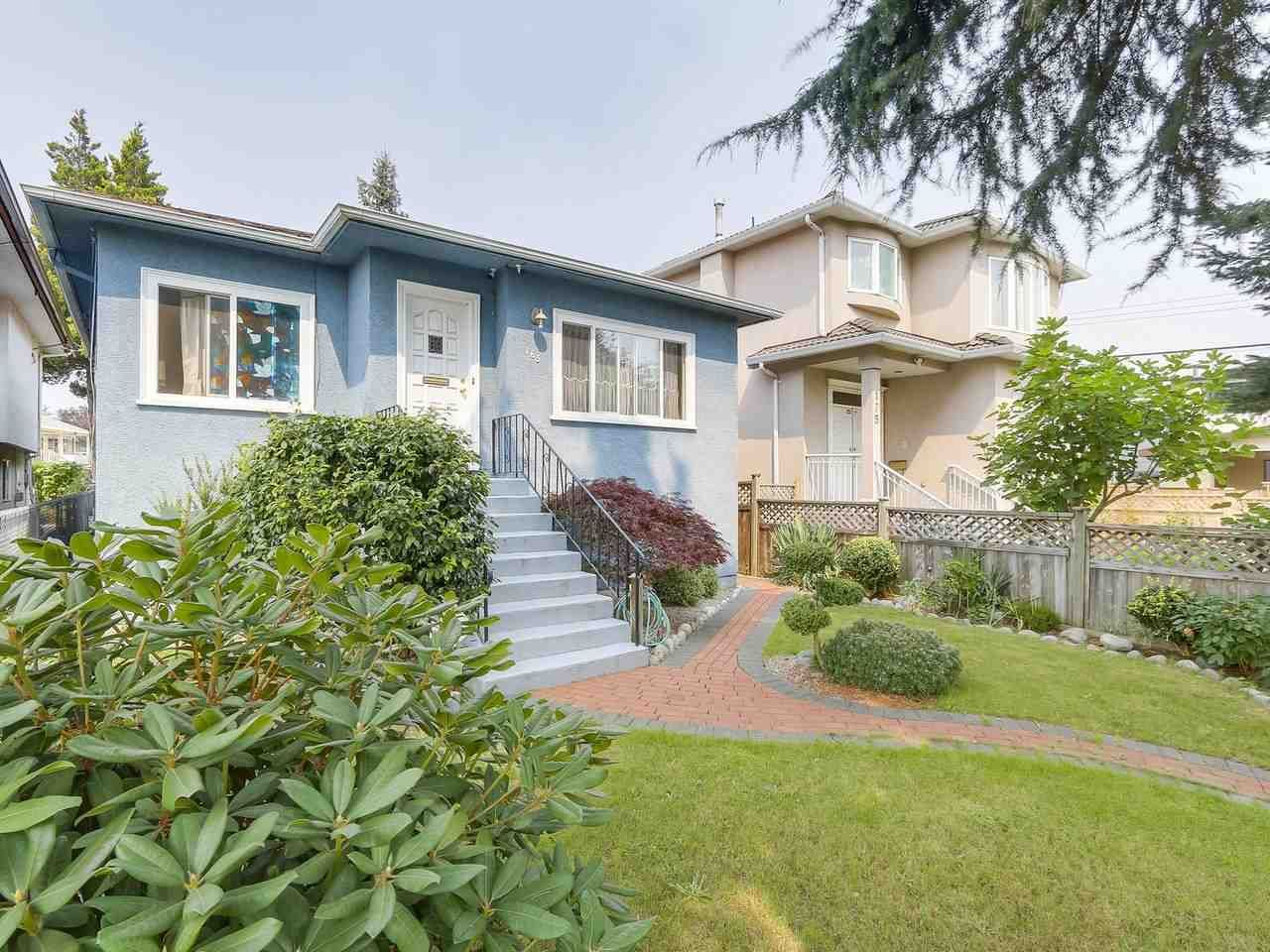 Photo 2: Photos: 165 E 55TH AVENUE in Vancouver: South Vancouver House for sale (Vancouver East)  : MLS®# R2297472
