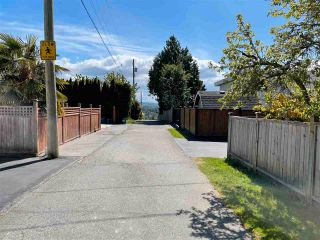 """Photo 8: 1066 CYPRESS Street: White Rock House for sale in """"Hillside"""" (South Surrey White Rock)  : MLS®# R2579690"""