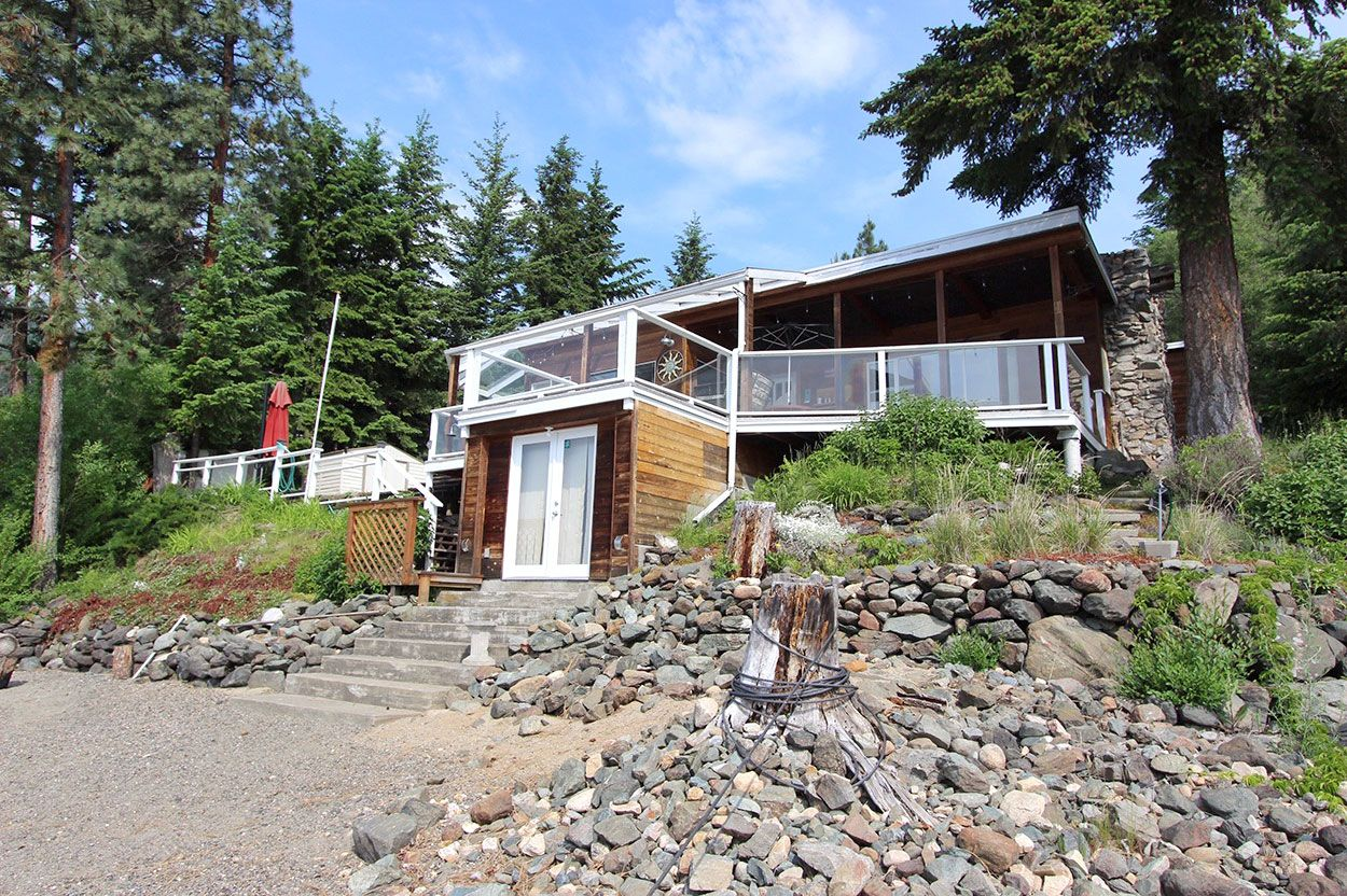 Photo 2: Photos: 1185 Little Shuswap Lake Road in Chase: Little Shuswap House for sale (Shuswap)  : MLS®# 10201171