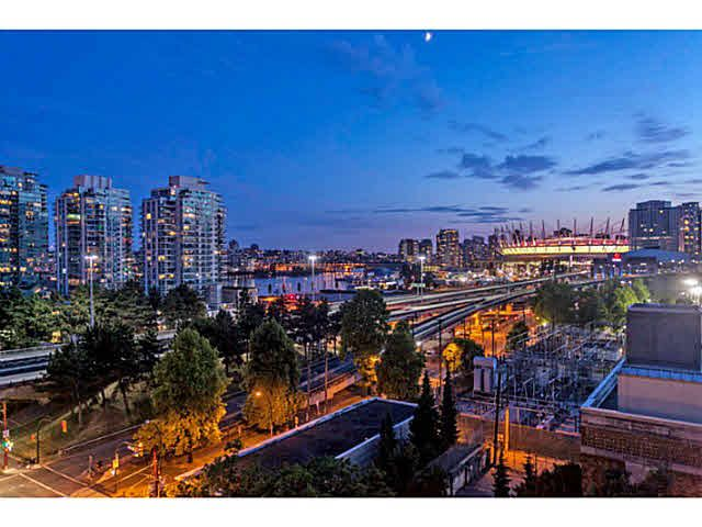 """Photo 11: Photos: 902 718 MAIN Street in Vancouver: Mount Pleasant VE Condo for sale in """"GINGER"""" (Vancouver East)  : MLS®# V1143243"""