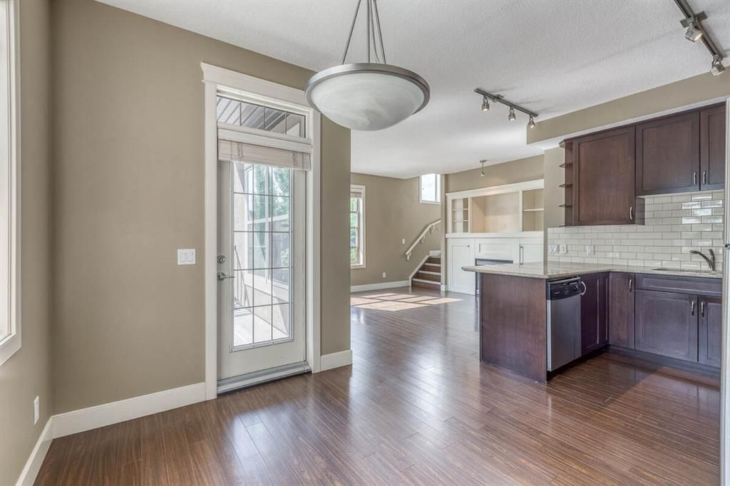 Main Photo: 301 3704 15A Street SW in Calgary: Altadore Apartment for sale : MLS®# A1116339