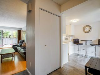 """Photo 8: 3 3370 ROSEMONT Drive in Vancouver: Champlain Heights Townhouse for sale in """"ASPENWOOD"""" (Vancouver East)  : MLS®# R2493440"""