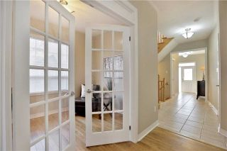 Photo 7: 1007 Sprucedale Lane in Milton: Dempsey House (2-Storey) for sale : MLS®# W3663798