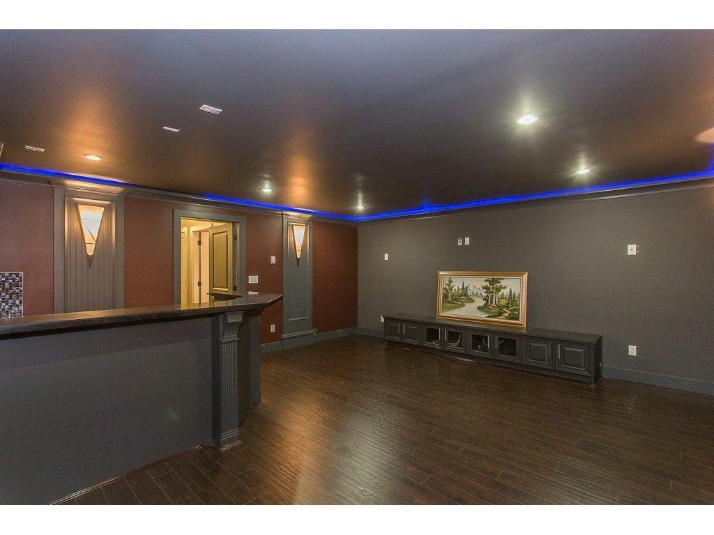 Photo 16: Photos: 18815 53A Avenue in Surrey: Cloverdale BC House for sale (Cloverdale)  : MLS®# R2272944