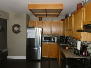 Photo 3: 304 22222 119 AVENUE in Maple Ridge: West Central Condo  : MLS®# R2103255