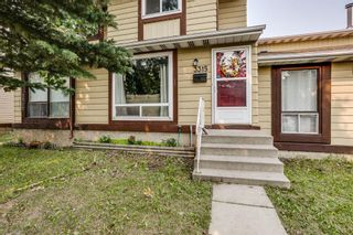 Photo 1: 3315 56 Street NE in Calgary: Temple Row/Townhouse for sale : MLS®# A1132139