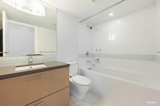 """Photo 3: 407 10777 UNIVERSITY Drive in Surrey: Whalley Condo for sale in """"City Point"""" (North Surrey)  : MLS®# R2599755"""