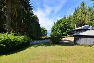 Photo 2: 3546 BEACH Avenue: Roberts Creek House for sale (Sunshine Coast)  : MLS®# R2183569