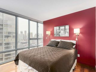 """Photo 8: 2202 930 CAMBIE Street in Vancouver: Yaletown Condo for sale in """"PACIFIC PLACE LANDMARK 2"""" (Vancouver West)  : MLS®# R2161898"""