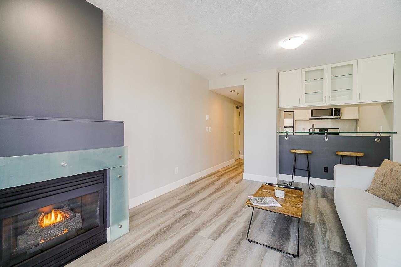 """Main Photo: 401 1003 BURNABY Street in Vancouver: West End VW Condo for sale in """"Milano"""" (Vancouver West)  : MLS®# R2584974"""