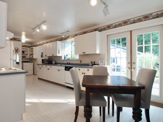 """Photo 4: 12754 23RD Avenue in Surrey: Crescent Bch Ocean Pk. House for sale in """"OCEAN PARK"""" (South Surrey White Rock)  : MLS®# F2908008"""