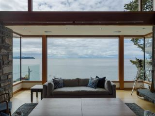 Photo 4: 3751 SUNSET Lane in West Vancouver: West Bay House for sale : MLS®# R2583246