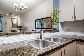"""Photo 15: 54 6878 SOUTHPOINT Drive in Burnaby: South Slope Townhouse for sale in """"CORTINA"""" (Burnaby South)  : MLS®# R2615060"""