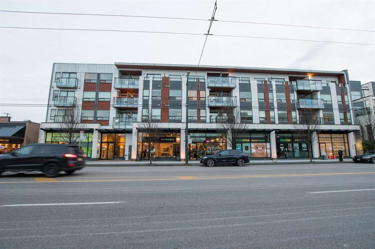 """Main Photo: 202 2858 W 4TH Avenue in Vancouver: Kitsilano Condo for sale in """"Kits West"""" (Vancouver West)  : MLS®# R2538947"""
