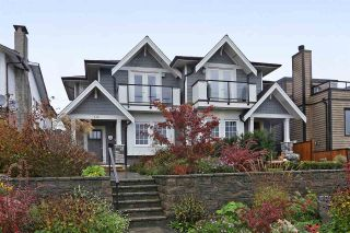 Photo 1: 310 E 5TH Street in North Vancouver: Lower Lonsdale 1/2 Duplex for sale : MLS®# R2330089