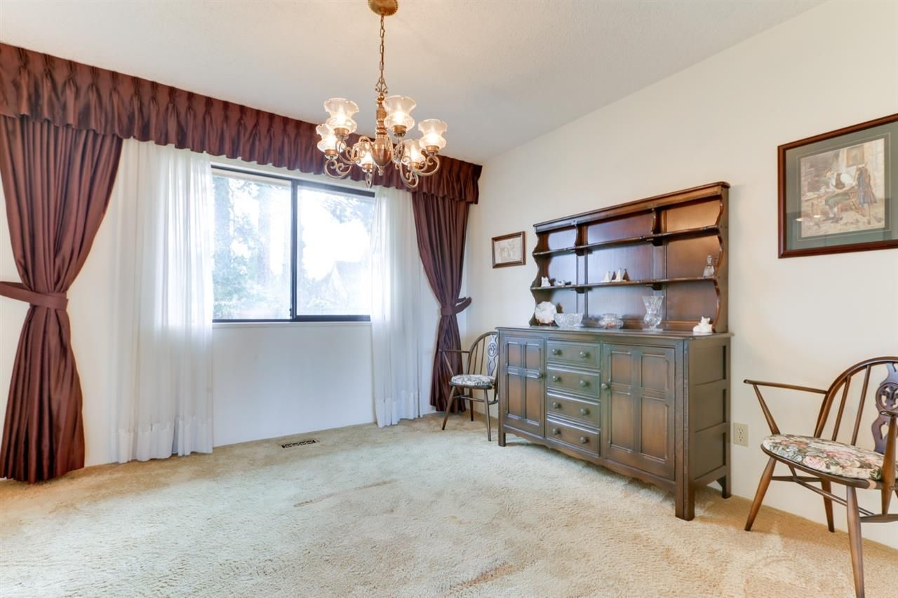 """Photo 11: Photos: 5314 2 Avenue in Delta: Pebble Hill House for sale in """"PEBBLE HILL"""" (Tsawwassen)  : MLS®# R2527757"""