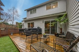 Photo 2: 3 19860 56 AVENUE in Langley: Langley City Townhouse for sale : MLS®# R2249368