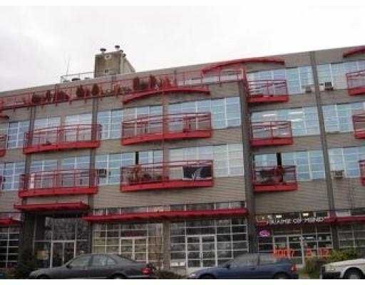 """Main Photo: 350 E 2ND Ave in Vancouver: Mount Pleasant VE Condo for sale in """"MAIN SPACE"""" (Vancouver East)  : MLS®# V631934"""