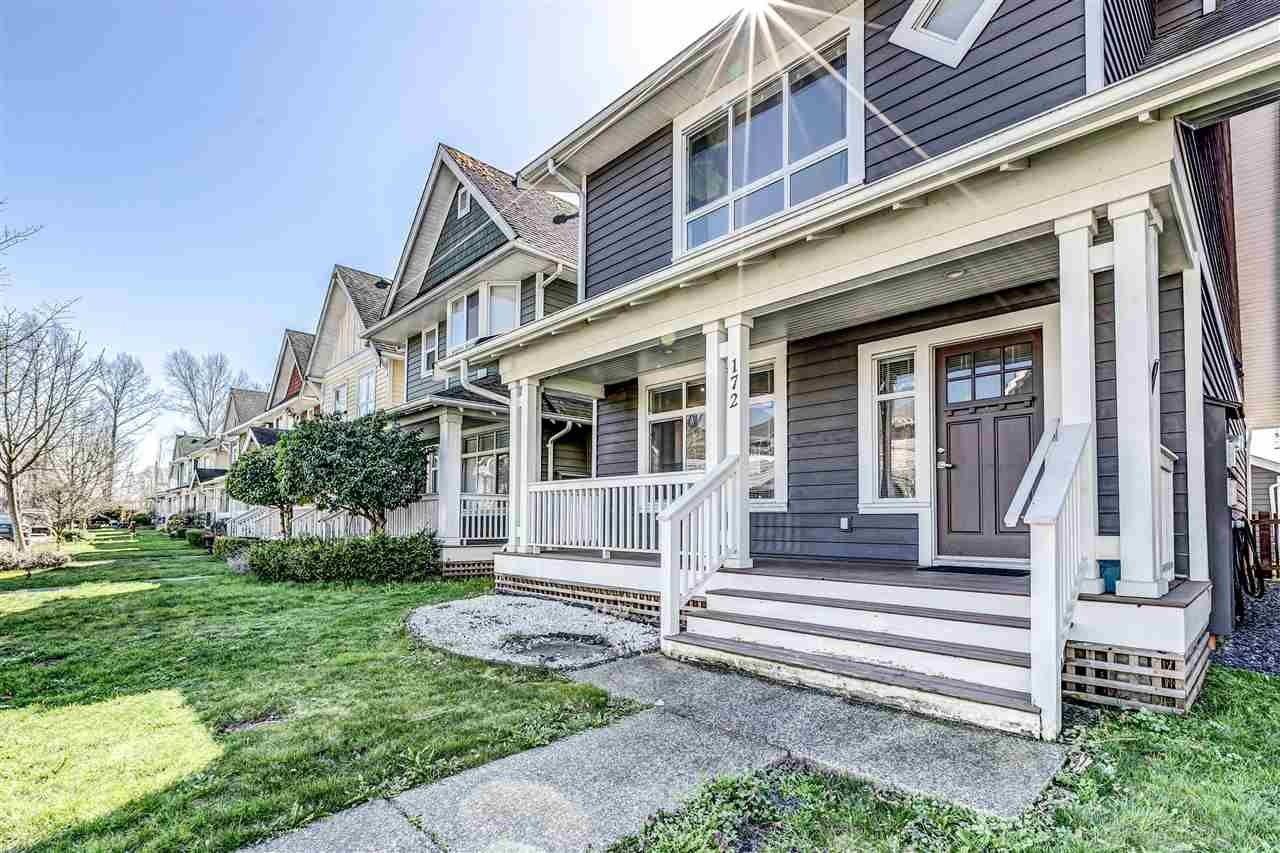 Main Photo: 172 DOCKSIDE COURT in New Westminster: Queensborough House for sale : MLS®# R2557608