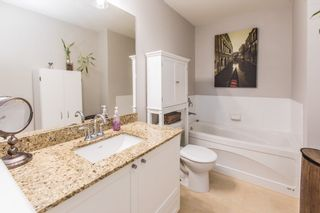 Photo 11: 304 2477 KELLY Avenue in Port Coquitlam: Central Pt Coquitlam Condo for sale : MLS®# R2421368