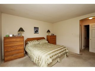 """Photo 12: 115 19649 53RD Avenue in Langley: Langley City Townhouse for sale in """"Huntsfield Green"""" : MLS®# F1406703"""