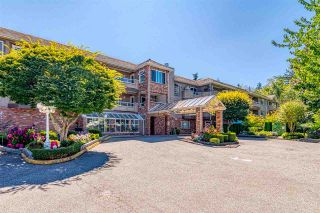 "Photo 2: 219 2239 152 Street in Surrey: Sunnyside Park Surrey Condo for sale in ""Semiahmoo Estates"" (South Surrey White Rock)  : MLS®# R2539753"