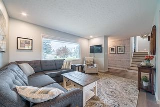 Photo 3: 2820 GRANT Crescent SW in Calgary: Glenbrook Detached for sale : MLS®# A1118320
